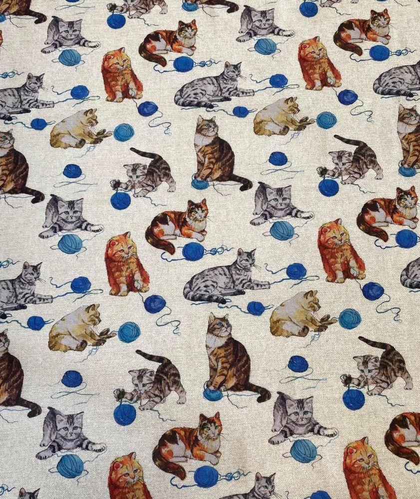 Pevnější plátno kočičky s klubíčky