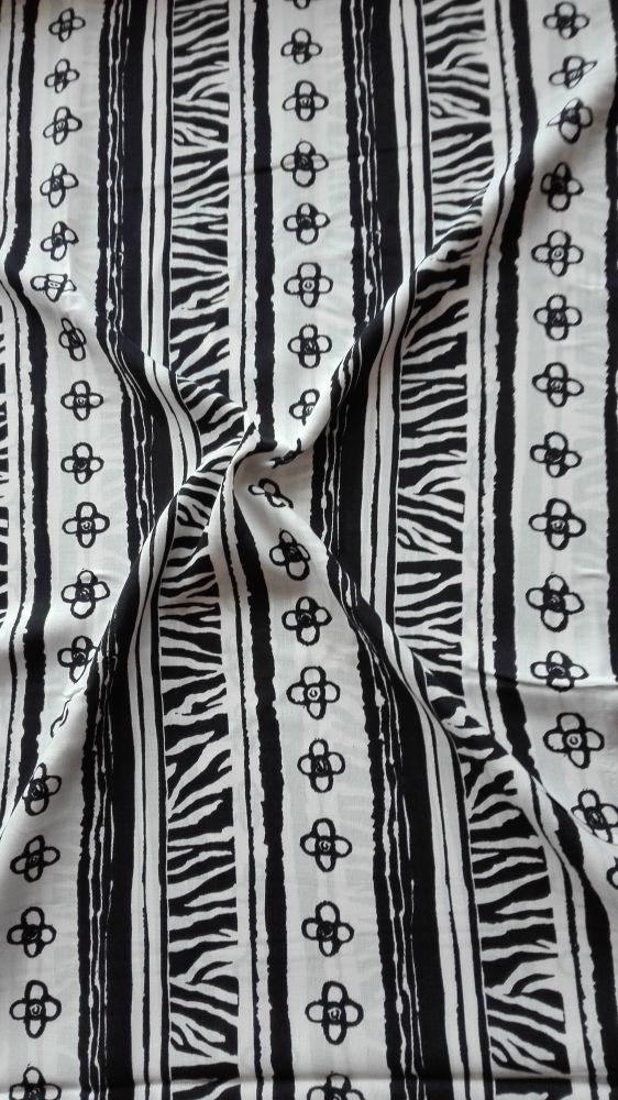 Viskozová šatovka s potiskem černobílý tisk