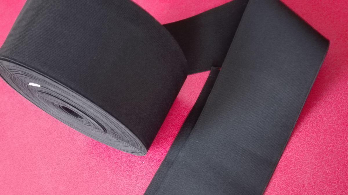 Pruženka hladká černá 100 mm