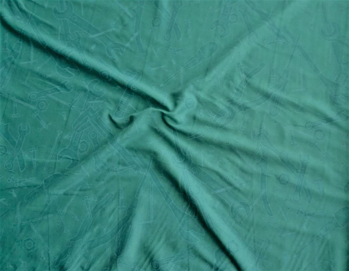 Viskozová šatovka s potiskem nářadí na tmavě zelené